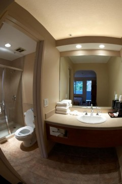 Welcome To Premier Inns Metro Center - Vanity Area